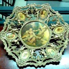 Antigüedades: ANTIGUO PLATO DE BRONCE Y PORCELANA. Lote 67517509