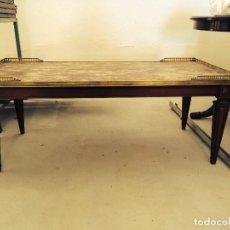 Antigüedades: MESA DE CENTRO CON TAPA DE MARMOL RESTAURADA. Lote 67662833