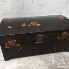 Antigüedades: ANTIGUO BAÜL - ARCON ORIENTAL GRANDE PINTADO Y LACADO FLOR DE LOTO. Lote 67772201