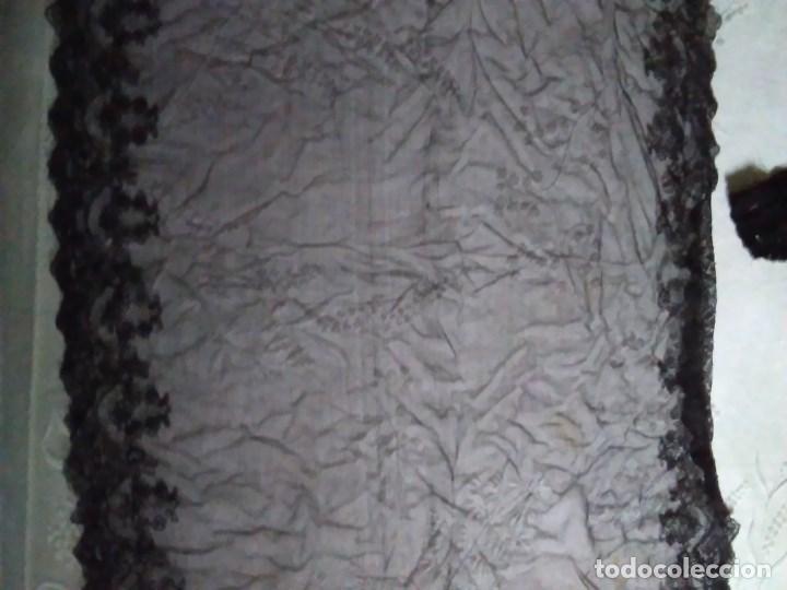 Antigüedades: Mantilla rectangular de encaje negro - Foto 4 - 67828641