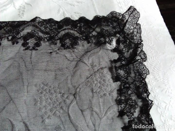Antigüedades: Mantilla rectangular de encaje negro - Foto 9 - 67828641