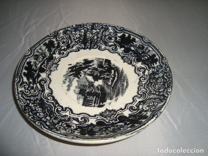 PLATO DE PORCELANA PICKMAN LA CARTUJA DE SEVILLA, 14,5CM. (Antigüedades - Porcelanas y Cerámicas - La Cartuja Pickman)