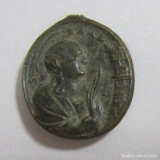 Antigüedades: ANTIGUA MEDALLA RELIGIOSA. SANTOS A IDENTIFICAR. VER DORSO. Lote 67902701