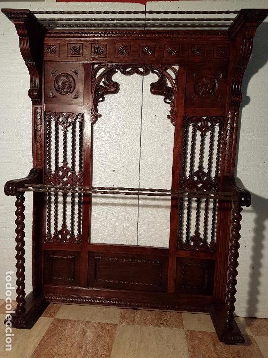 BASTONERO-RECIBIDOR SALOMÓNICO DE CEDRO TALLADO (Antigüedades - Muebles Antiguos - Auxiliares Antiguos)