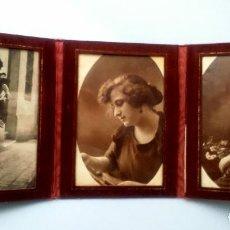 Antigüedades: MARCO ANTIGUO PORTARRETRATOS TRIPLE.TELA, TERCIOPELO? 3 FOTOS ORIGINALES DE AÑOS 20 Y 30. DECORACIÓN. Lote 68010577