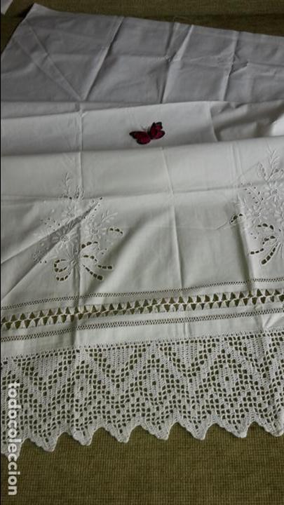 Antigüedades: Panel cortina, bordado a mano y ganchillo.ALGODON BLANCO 80 x 160 cm. Nuevo - Foto 16 - 250237330