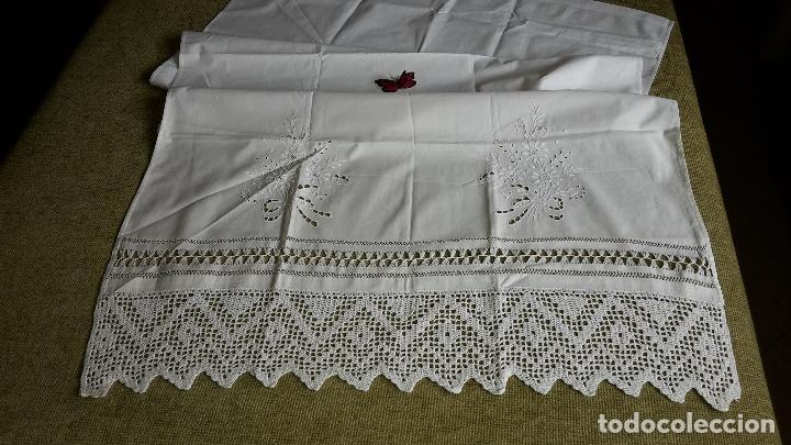 Antigüedades: Panel cortina, bordado a mano y ganchillo.ALGODON BLANCO 80 x 160 cm. Nuevo - Foto 8 - 250237330