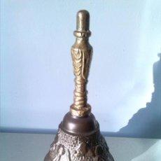Antigüedades: CAMPANILLA DE BRONCE. Lote 68134421