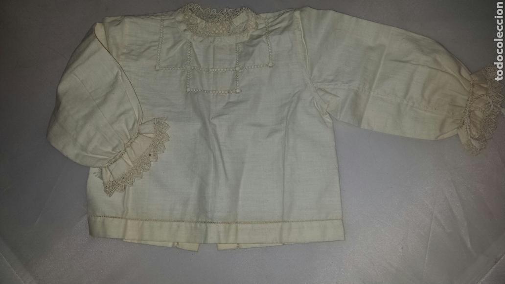 ANTIGUA CAMISA PARA BEBE - MUÑECA MUÑECO. VAINICA PUNTILLA GANCHILLO S. XIX (Antigüedades - Moda y Complementos - Infantil)