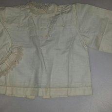 Antigüedades: ANTIGUA CAMISA PARA BEBE - MUÑECA MUÑECO. VAINICA PUNTILLA GANCHILLO S. XIX. Lote 68174663