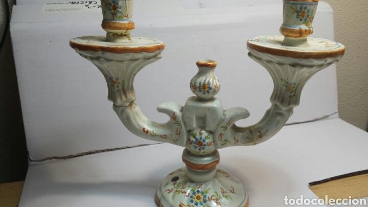 ANTIGUO CANDELABRO DE CERAMICA DE ALCORA SELLADO (Antigüedades - Porcelanas y Cerámicas - Alcora)