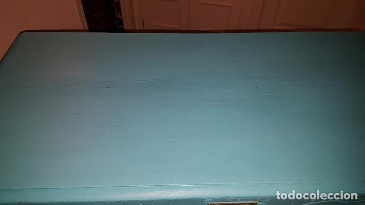 Antigüedades: Preciosa cómoda modernista pintada en azul turquesa. - Foto 2 - 111523623