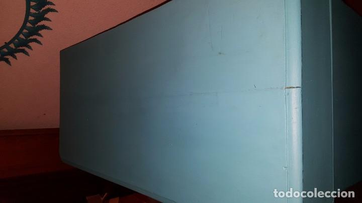 Antigüedades: Preciosa cómoda modernista pintada en azul turquesa. - Foto 5 - 111523623