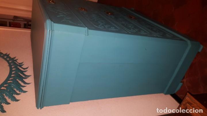 Antigüedades: Preciosa cómoda modernista pintada en azul turquesa. - Foto 7 - 111523623