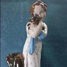 Antigüedades: NIÑA CON PERRO EN PORCELANA. Lote 68254349