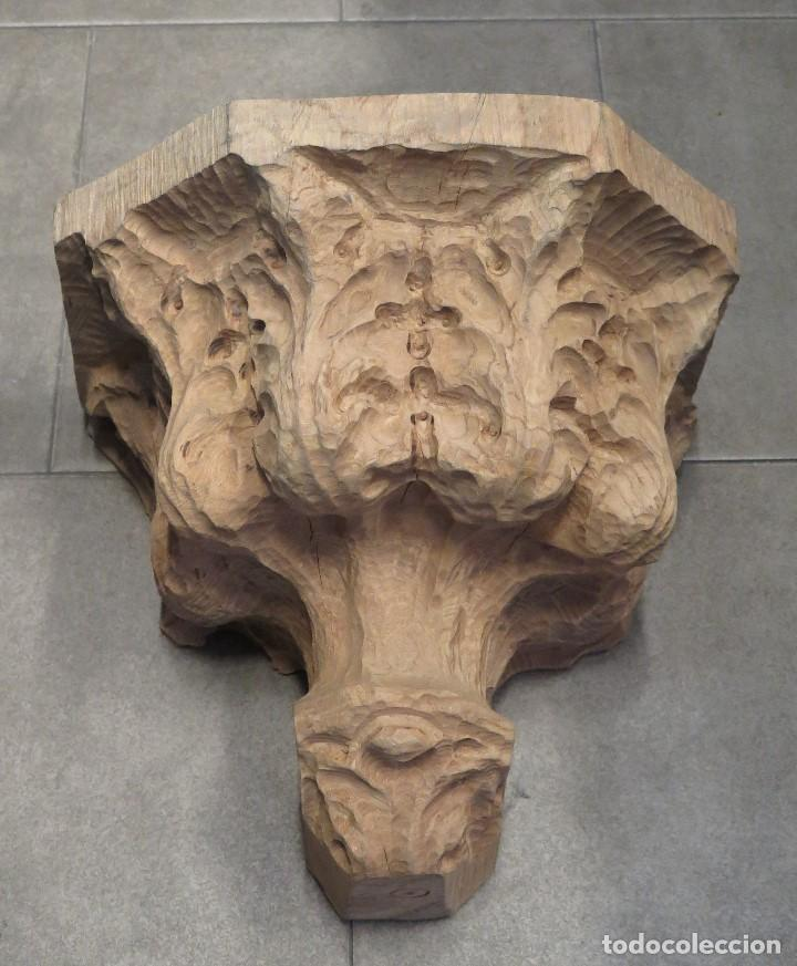 GRAN MENSULA DE MADERA TALLA ORNAMENTADA CON MOTIVOS VEGETALES (Antigüedades - Muebles Antiguos - Ménsulas Antiguas)