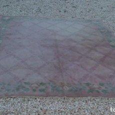 Antigüedades: ENORME ALFOMBRA DE SALÓN,LANA COLOR ROSA CON ESQUINAS FLORALES. PRECIOSA.. Lote 68325093