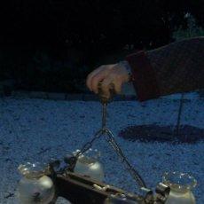 Antigüedades: BONITA LAMPARA PARA SALON RUSTICO MADERA MACIZA Y FORJA,4 LUCES.CON TULIPAS DE CRISTAL. Lote 68325845