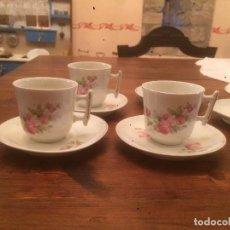Antigüedades: ANTIGUO JUEGO DE CAFE / VAJILLA DE PORCELANA CON MOTIVO FLORAL DEL SIGLO XIX. Lote 68388385