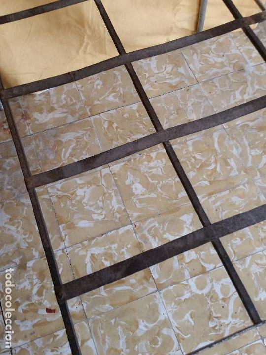 Antigüedades: Cama de Hierro - Años 50 - Plegable - Estructura Completa - Remachada a mano - Foto 9 - 68428277