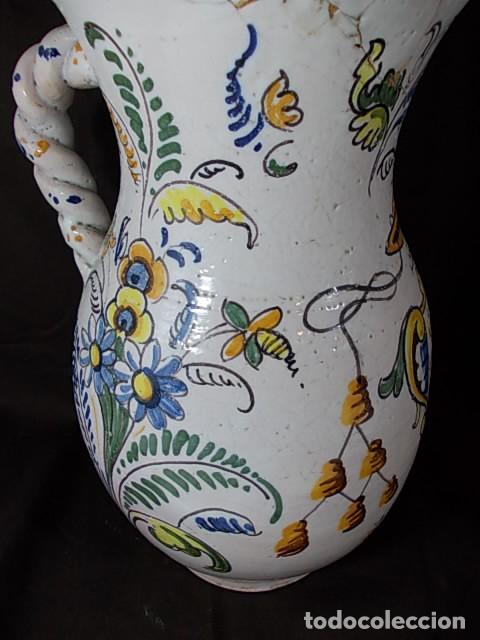 Antigüedades: ANTIGUA JARRA EN CERÁMICA DE TALAVERA CON EL ESCUDO DE CASTILLA Y LEÓN Y EL ASA TRENZADA - Foto 7 - 68457533