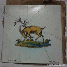 Antigüedades: ANTIGUO AZULEJO TALAVERA FIRMADO RUIZ DE LUNA , MOTIVO DE CIERVO. Lote 68495297