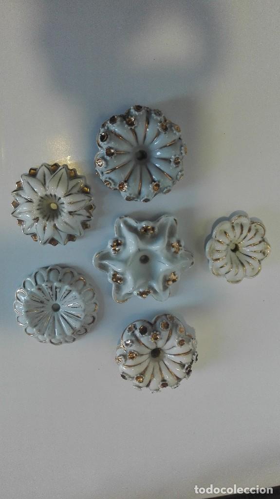 APLIQUES O PIEZAS DE PORCELANA BUENA DE LÁMPARAS O MUEBLES (Antigüedades - Porcelanas y Cerámicas - Otras)