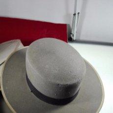 Antigüedades: BONITO SOMBRERO FLAMENCO DE LA CASA MOISES SANCHA - ARENAL, 9 - MADRID - PRISMA ORO - TALLA 57 -. Lote 68694241