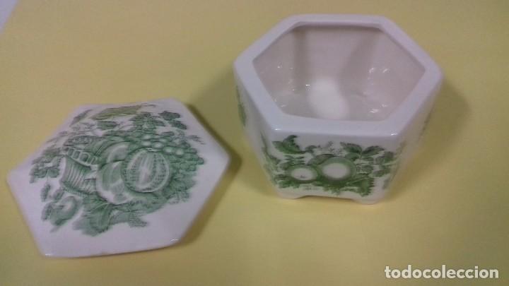 Antigüedades: Caja de porcelana inglesa MASON serie Fruit Basket, en verde. Tapa poligonal. 12 cm. - Foto 2 - 68835337
