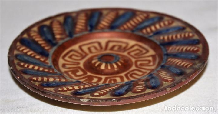 Antigüedades: PLATITO EN CERÁMICA ESMALTADA DE REFLEJOS METÁLICOS - MANISES - SIGLO XIX - Foto 4 - 68864161