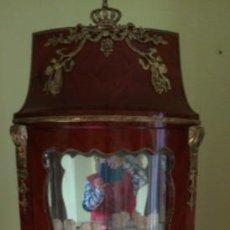 Antigüedades: VITRINA RINCONERA ISABELINA S. XIX CON APLICACIONES DE BRONCE Y ESPEJOS INTERIORES. 195 CMS DE ALTO. Lote 68911705