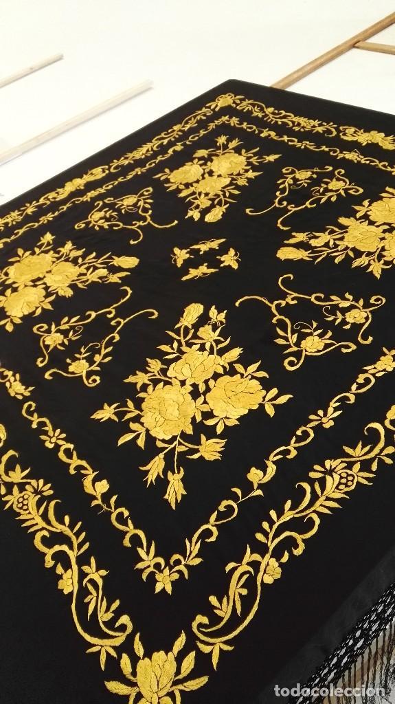 Antigüedades: Manton de Manila seda bordada original diseño - Foto 2 - 68918857