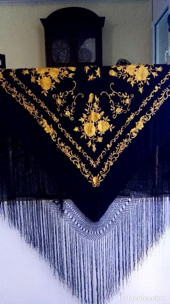 Antigüedades: Manton de Manila seda bordada original diseño - Foto 6 - 68918857