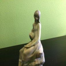 Antigüedades: PRECIOSA FIGURA PORCELANA NAO LLADRÓ. Lote 95668276