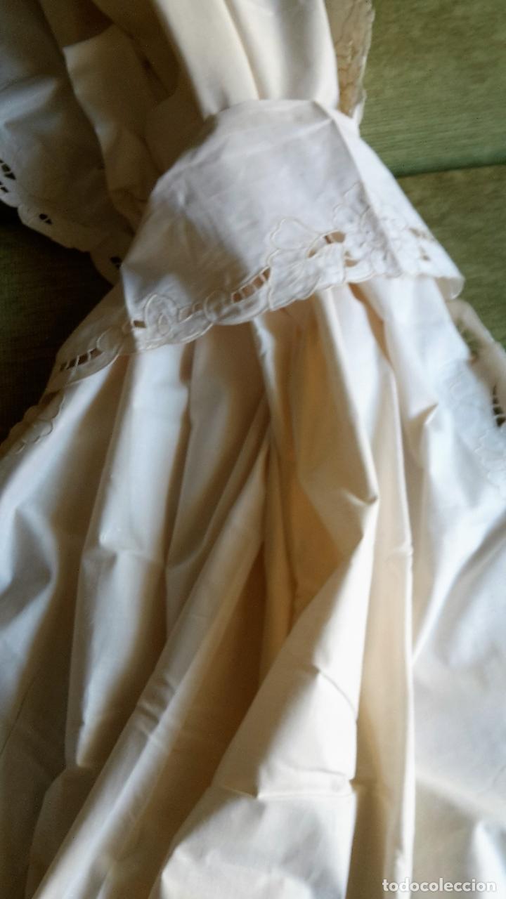 Antigüedades: Bonito panel cortina. 155x 225 cm. beige claro.bordado a mano. Nuevo - Foto 10 - 207838986
