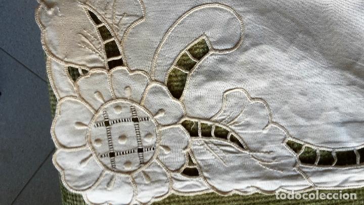 Antigüedades: Bonito panel cortina. 155x 225 cm. beige claro.bordado a mano. Nuevo - Foto 7 - 207838986