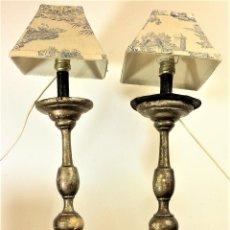 Antigüedades: PAREJA DE CANDELEROS DE IGLESIA CONVERTIDOS EN LÁMPARA. MADERA. ESPAÑA.XVIII-XIX. Lote 69266685