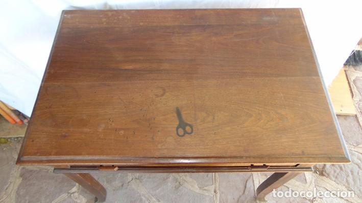 Antigüedades: mesa Art Nouveau de nogal - Foto 2 - 69268169