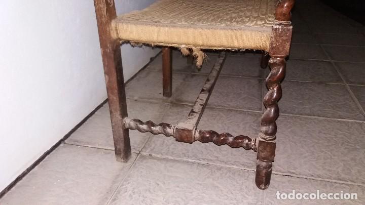 Antigüedades: Antiguo mueble banco silla de madera maciza con relieve cara guerrero romano balaustres salomonicos - Foto 12 - 69297449