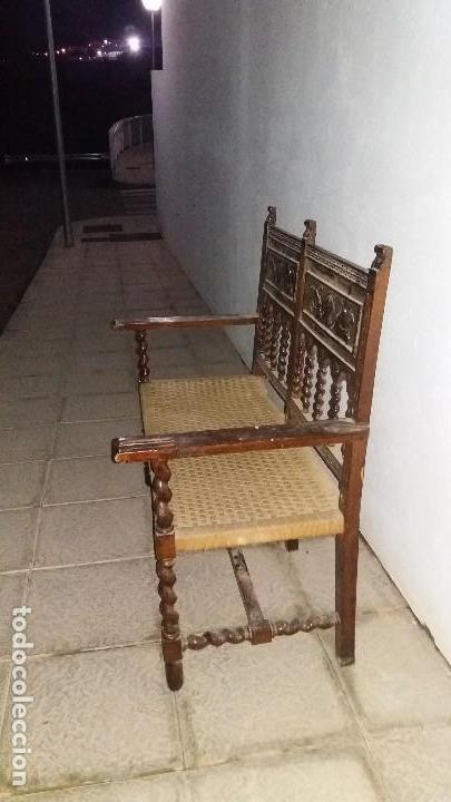 Antigüedades: Antiguo mueble banco silla de madera maciza con relieve cara guerrero romano balaustres salomonicos - Foto 15 - 69297449
