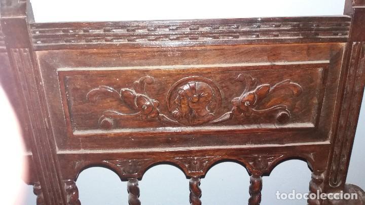 Antigüedades: Antiguo mueble banco silla de madera maciza con relieve cara guerrero romano balaustres salomonicos - Foto 17 - 69297449