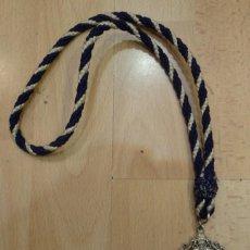 Antigüedades: SEMANA SANTA SEVILLA, MEDALLA CON CORDON DE LA HERMANDAD DE LA ESTRELLA, INFANTIL. Lote 69362973