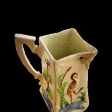 Antigüedades: JARRA MUY ANTIGUA CON GARZA Y FLORES DISTINTAS EN CADA LADO. IMPECABLE.. Lote 27345151