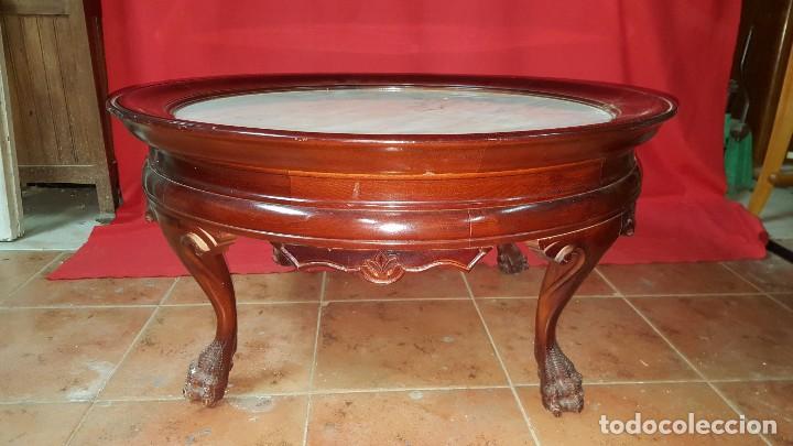 MESA BAJA DE MADERA MACIZA CON TABLERO DE MÁRMOL. (Antigüedades - Muebles Antiguos - Mesas Antiguas)