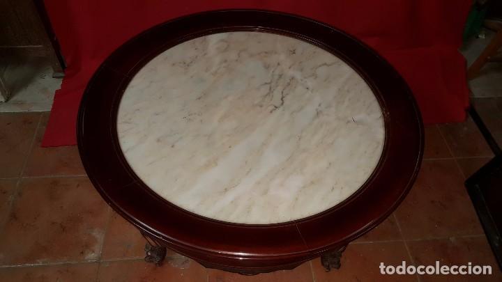 Antigüedades: Mesa baja de madera maciza con tablero de mármol. - Foto 3 - 69505029
