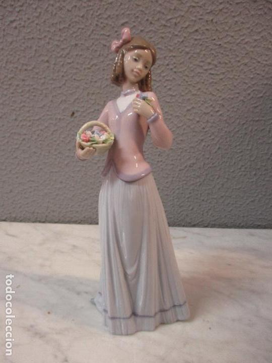 Antigüedades: Figura de Porcelana - Lladró - Aroma Primaveral - Escultor José Puche - Certificado - Caja -Nueva!!! - Foto 3 - 69582697
