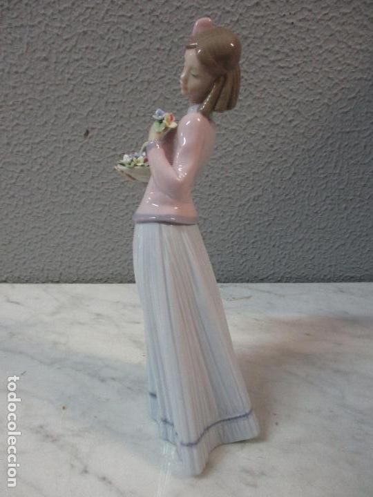 Antigüedades: Figura de Porcelana - Lladró - Aroma Primaveral - Escultor José Puche - Certificado - Caja -Nueva!!! - Foto 5 - 69582697