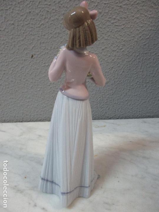 Antigüedades: Figura de Porcelana - Lladró - Aroma Primaveral - Escultor José Puche - Certificado - Caja -Nueva!!! - Foto 6 - 69582697