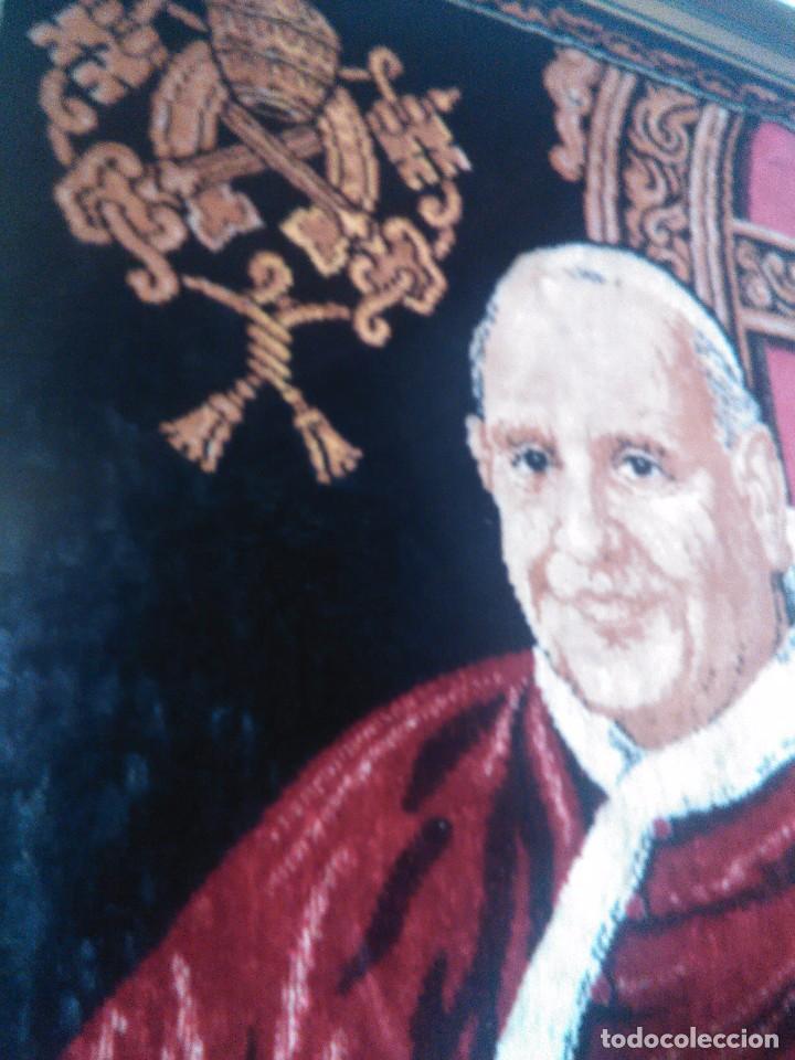 Antigüedades: cuadro-TAPIZ ENMARCADO DEL PAPA SAN JUAN XXIII. - Foto 3 - 69659181