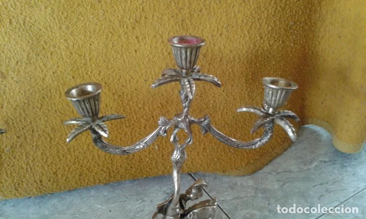 Antigüedades: PAREJA DE CANDELABROS DE BRONCE - Foto 4 - 69685905